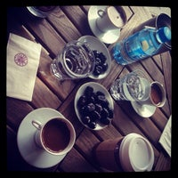11/21/2013 tarihinde Pelin Ö.ziyaretçi tarafından Kahve Dünyası'de çekilen fotoğraf
