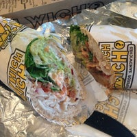 12/19/2013にLeslie Y.がWhich Wich? Superior Sandwichesで撮った写真