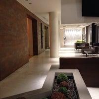 รูปภาพถ่ายที่ Hotel Olympia Thessaloniki โดย Semra S. เมื่อ 10/26/2014