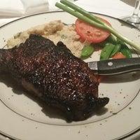รูปภาพถ่ายที่ Silver Fox Steakhouse โดย Janmichael M. เมื่อ 8/22/2014