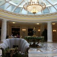 Das Foto wurde bei The Official State Hermitage Hotel von Екатерина am 9/24/2013 aufgenommen
