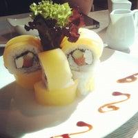 Снимок сделан в Senz Nikkei Restaurant пользователем Demian S. 11/23/2012