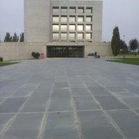 Foto tomada en Edificio de Bibliotecas - UNAV por Gustavo B. el 10/4/2012