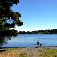 Foto scattata a Green Lake Loop da Kate K. il 5/18/2013
