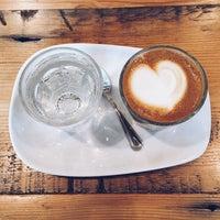Снимок сделан в Street Bean Espresso пользователем Kate K. 12/19/2015
