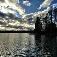 Das Foto wurde bei Green Lake Park von Kate K. am 3/5/2013 aufgenommen