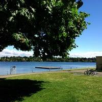 Das Foto wurde bei Green Lake Park von Kate K. am 5/17/2013 aufgenommen