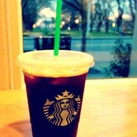 Das Foto wurde bei Starbucks von Kate K. am 5/15/2013 aufgenommen