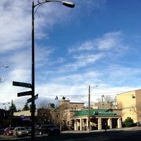 Das Foto wurde bei Starbucks von Kate K. am 3/21/2013 aufgenommen