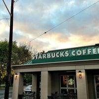 Das Foto wurde bei Starbucks von Kate K. am 5/21/2013 aufgenommen