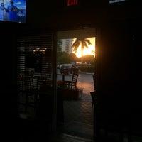 Foto diambil di The Sandbar and Grille oleh Bruce L. pada 11/24/2016