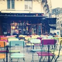 Foto tirada no(a) Zebra Bar por Merve İ. em 3/22/2013