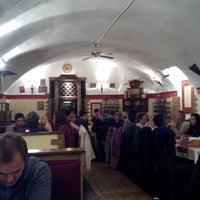 Foto tirada no(a) Vendéglő a Zsákbamacskához por Lucie T. em 11/1/2014