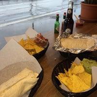 Foto tomada en Burrito Brothers por Madi A. el 3/22/2014