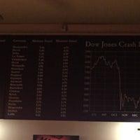 Foto diambil di Dow Jones oleh Jānis B. pada 10/6/2017