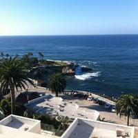 Das Foto wurde bei George's at The Cove von Ivan K. am 10/8/2012 aufgenommen