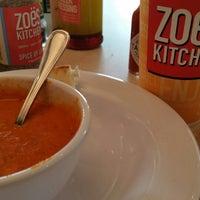 รูปภาพถ่ายที่ Zoës Kitchen โดย Glenn N. เมื่อ 7/16/2014