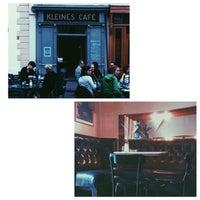 Foto tirada no(a) Kleines Café por Blu C. em 5/9/2015