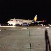 Снимок сделан в Phoenix-Mesa Gateway Airport (AZA) пользователем Brandon F. 4/18/2013