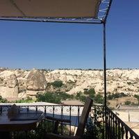 Foto diambil di Sos Cave Hotel oleh Nergis K. pada 7/23/2017