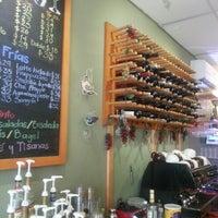Das Foto wurde bei Blabladía Bistro Café von Oasisantonio am 7/24/2013 aufgenommen