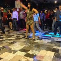 Foto diambil di Salsa Candela Mexico oleh Miriam L. pada 3/20/2016