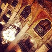Das Foto wurde bei Paramount Theatre von Stroud Action am 2/9/2013 aufgenommen