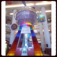 รูปภาพถ่ายที่ Berjaya Times Square โดย Mi C. เมื่อ 6/5/2013