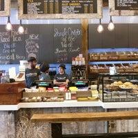 Photo prise au New York City Bagel & Coffee House par Arjun M. le9/26/2013