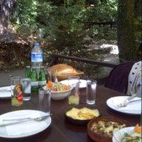 9/22/2012 tarihinde Ilker C.ziyaretçi tarafından Vadi Restaurant'de çekilen fotoğraf