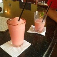 Das Foto wurde bei Cariño Restaurant and Cantina von Kimberly am 7/4/2013 aufgenommen