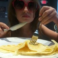 Das Foto wurde bei Café Rue 52 von Adam B. am 10/20/2012 aufgenommen