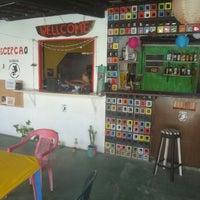 รูปภาพถ่ายที่ La Rocca Brasil - Beach Hostel Porto de Galinhas โดย Ricky J. เมื่อ 1/2/2014