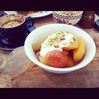 6/16/2012 tarihinde Luke C.ziyaretçi tarafından Lantana Cafe'de çekilen fotoğraf