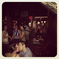 Foto tirada no(a) Ding Dong Lounge por Ding Dong Lounge em 10/5/2013