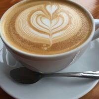 5/24/2014에 Dawayn B.님이 Street 14 Cafe에서 찍은 사진