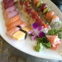 10/21/2013にMatthew B.がTokyo Bay Sushiで撮った写真