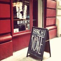 Foto scattata a Birch Coffee da Molly Brynn il 11/6/2012