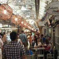 7/3/2013 tarihinde Emily B.ziyaretçi tarafından Chelsea Market'de çekilen fotoğraf
