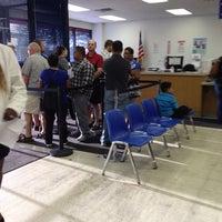 Foto tomada en Illinois Secretary of State - Express Drivers Services Facility por Ton M el 9/6/2014