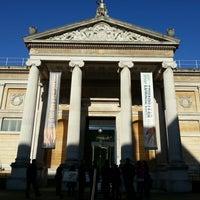 Das Foto wurde bei The Ashmolean Museum von Ben W. am 11/5/2012 aufgenommen