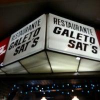 Das Foto wurde bei Galeto Sat's von Gustavo R. am 12/15/2012 aufgenommen