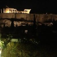 Foto tirada no(a) Herodion Hotel por Muge O. em 4/10/2013