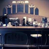 Das Foto wurde bei Mokah Coffee & Tea von Mokah Coffee & Tea am 10/3/2013 aufgenommen