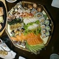 Foto tirada no(a) Hioto Japanese Food por Thiago Souza R. em 9/1/2015