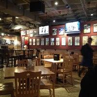 10/2/2012에 Jack Daniel J.님이 Huberts Sports Bar & Grill에서 찍은 사진