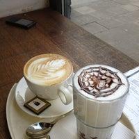 รูปภาพถ่ายที่ OR Coffee Bar โดย Sebastiaan P. เมื่อ 3/28/2013