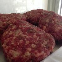 รูปภาพถ่ายที่ Proper Sausages โดย Burger B. เมื่อ 9/27/2013