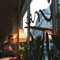 Das Foto wurde bei L. Heiner Hofzuckerbäcker von JLuis G. am 11/20/2014 aufgenommen