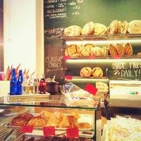 Foto diambil di Breads Bakery oleh Rita L. pada 5/27/2013